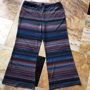 ND New Directions Supersoft wide leg pattern pants
